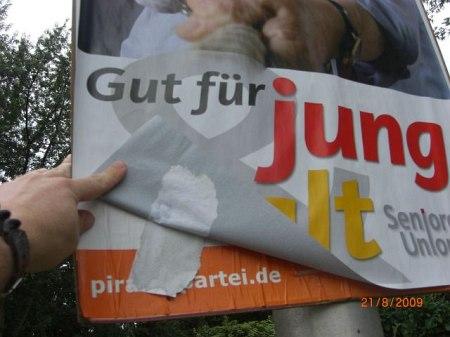 BTW-2009_CDU_Piraten_Plakat_Vandalismus